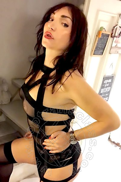 Valeria Italiana  MILANO 3351496293